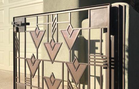 Jonathan Thiele original design - Metal Sculptor
